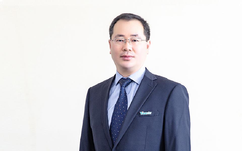 Bo Cao headshot